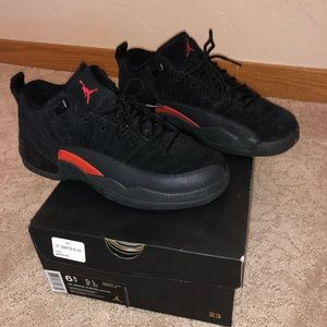 Air Jordan 12 retro low Max Orange Grade School sz